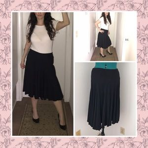 Black Midi skirt by Mossimo. Size M